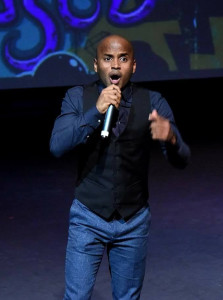 Andre Boyer performs his theme from MY SO-CALLED CO-STAR LIFE at the 2017 Indie Series Awards.