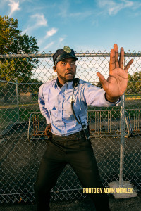 Che Holloway stars as police officer Amir Johnson in the acclaimed social issues-based comedy DARK JUSTICE. The show is now seeking funding on Kickstarter for its third season.